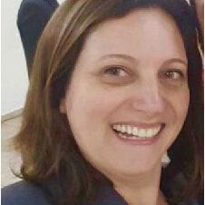 Claudia Freitas Valério